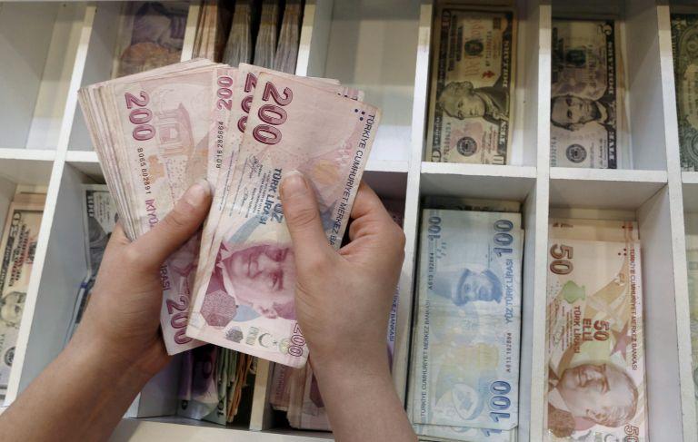 Σε τροχιά εβδομαδιαίας πτώσης η τουρκική λίρα | tanea.gr