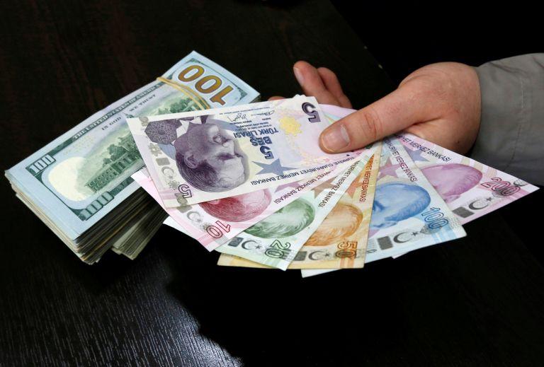 Καταρρέει η τουρκική λίρα – Εντονη η ανησυχία των επενδυτών | tanea.gr