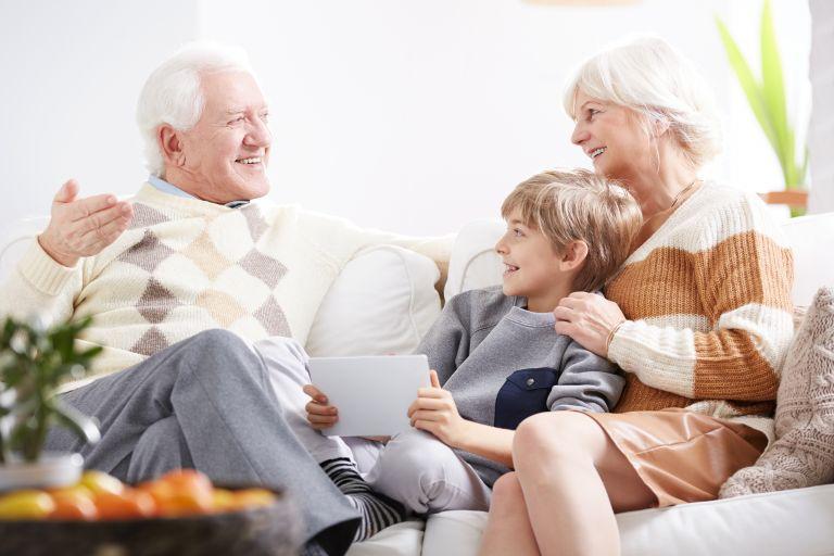 Δικαίωμα επικοινωνίας των παπούδων με τα εγγόνια μετά το διαζύγιο | tanea.gr