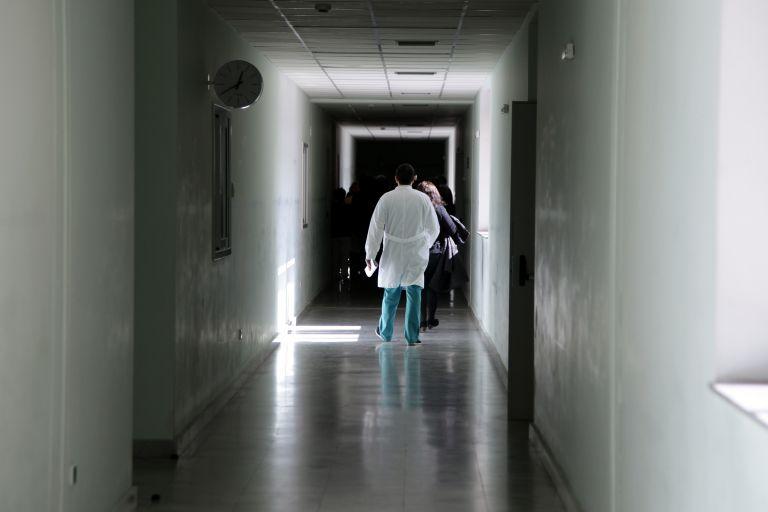 Προφυλακιστέα η γιατρός του Λαϊκού για τα αντικαρκινικά   tanea.gr
