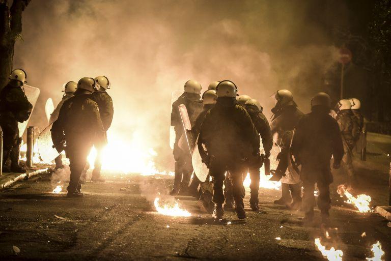Κάηκαν ξανά τα Εξάρχεια – Επεισόδια και συγκρούσεις για τρίτη συνεχή νύχτα   tanea.gr