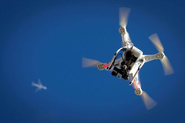 Παράδοση αλληλογραφίας με drone | tanea.gr