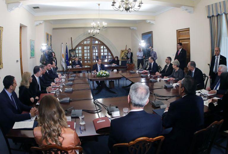 Κυπριακό: Διαφωνία κυβέρνησης – ΑΚΕΛ για την πρόταση Ακιντζί | tanea.gr