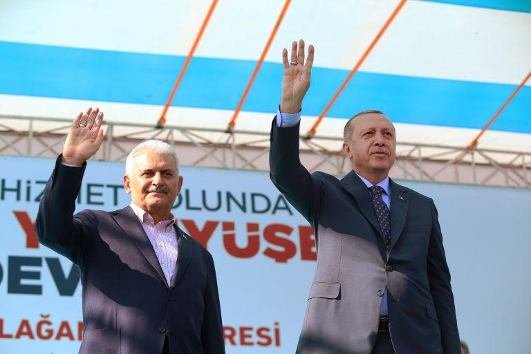 Τουρκία: Τι δείχνουν οι δημοσκοπήσεις για τον Σουλτάνο – Το σενάριο ακύρωσης των εκλογών | tanea.gr