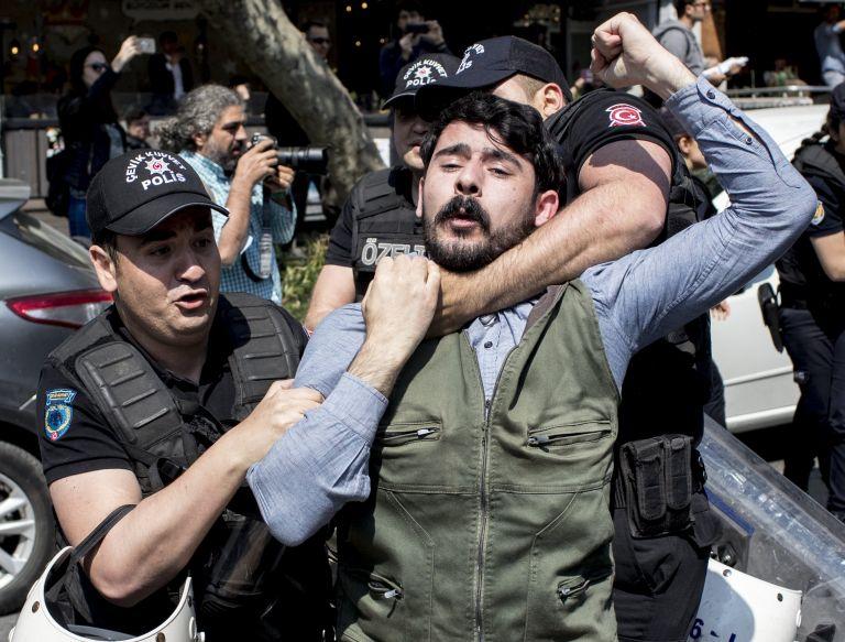 Συγκρούσεις αστυνομίας – διαδηλωτών που θέλησαν να φτάσουν στην Ταξίμ | tanea.gr