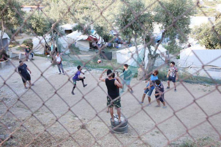 Γιατροί Χωρίς Σύνορα: Εκκληση μεταφοράς προσφύγων στην ενδοχώρα | tanea.gr