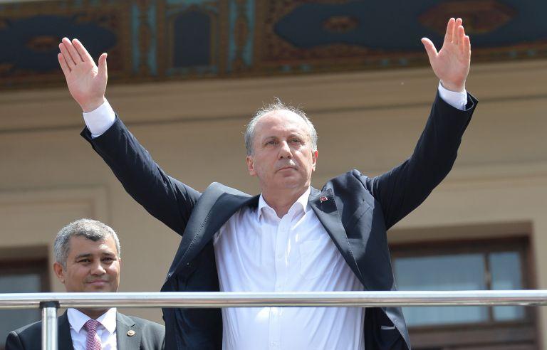 «Ας αναμετρηθούμε σαν άνδρες» κάλεσε τον Ερντογάν ο Ιντζέ | tanea.gr