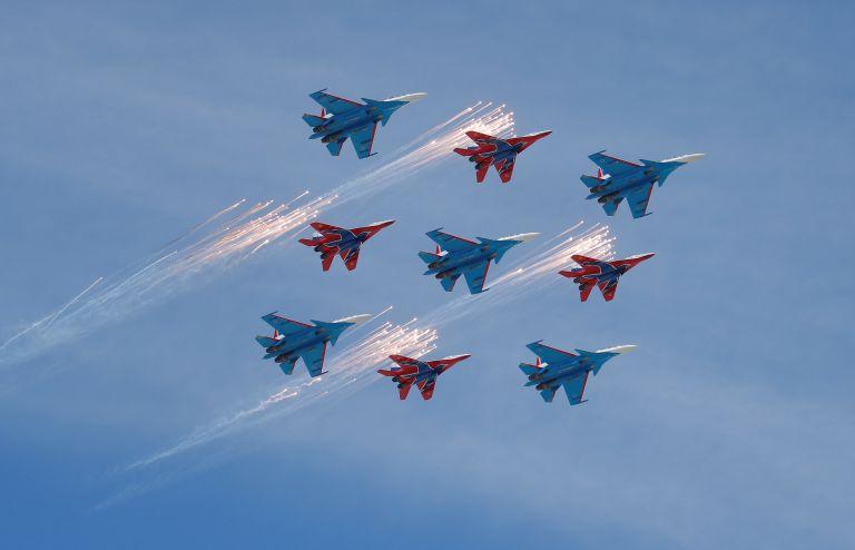 Ρωσία: Μαχητικά αεροσκάφη θα λάβει το διάσημο ακροβατικό σμήνος «Strizhi» | tanea.gr