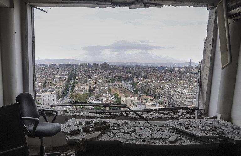 Τουλάχιστον οκτώ νεκροί άμαχοι σε αεροπικές επιθέσεις στη Συρία | tanea.gr
