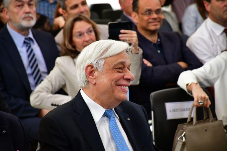 Παυλόπουλος: Ο ακραίος νεοφιλελευθερισμός υποσκάπτει τη Δημοκρατία | tanea.gr