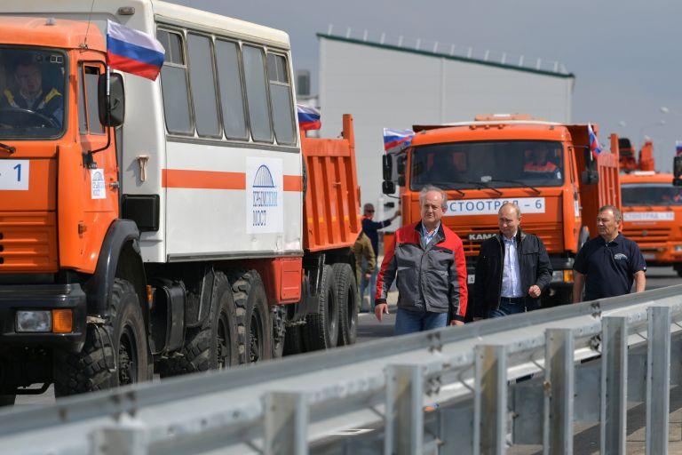 Η ΕΕ καταγγέλλει την κατασκεύη της γέφυρας που ενώνει Ρωσία – Κριμαία | tanea.gr