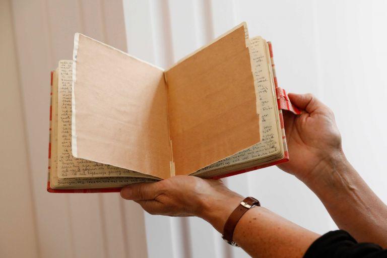 Αποκαλύφθηκαν οι «κρυφές» σελίδες από το ημερολόγιο της Αννας Φρανκ   tanea.gr