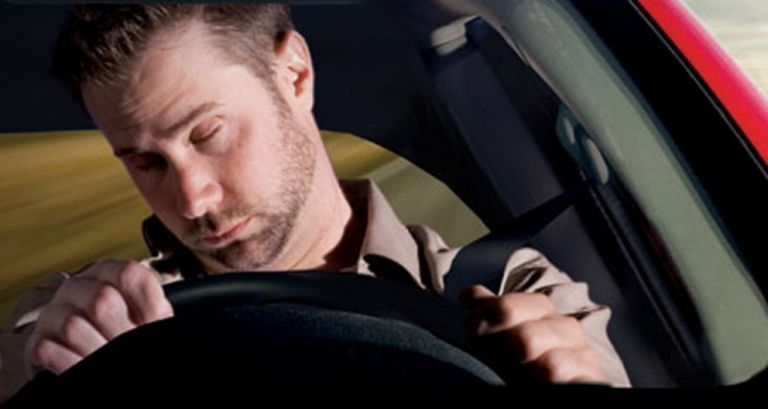 Γιατί ο νυσταγμένος οδηγός είναι επικίνδυνος όσο και ο μεθυσμένος   tanea.gr