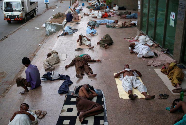 Δεκάδες νεκροί στο Πακιστάν από κύμα καύσωνα | tanea.gr
