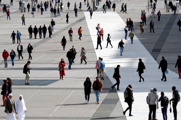 ΕΕ: Σε χαμηλό δεκαετίας η ανεργία στην ευρωζώνη τον Απρίλιο   tanea.gr