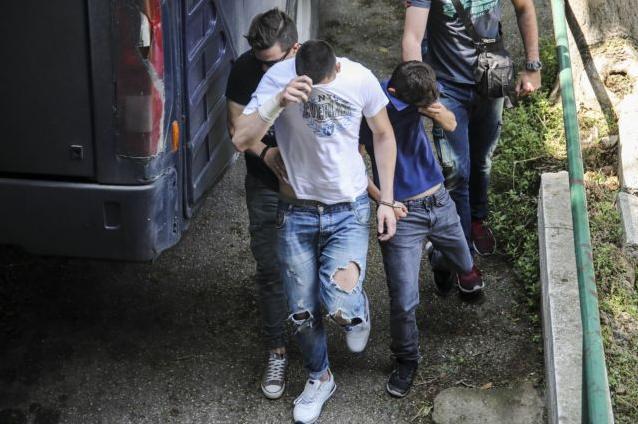 Eνοχοι οι δράστες κατά Μπουτάρη – Ζήτησε κλαίγοντας συγγνώμη ο 20χρονος | tanea.gr