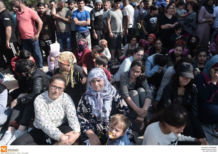 Την περιφερειακή Θεσσαλονίκης έκλεισαν μετανάστες   tanea.gr