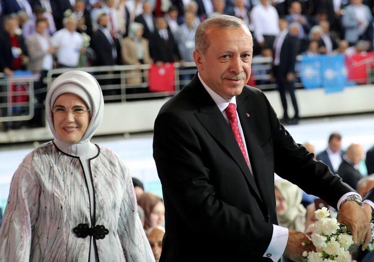 Ερντογάν: Θα γίνω πιο Ευρωπαίος αν εκλεγώ   tanea.gr