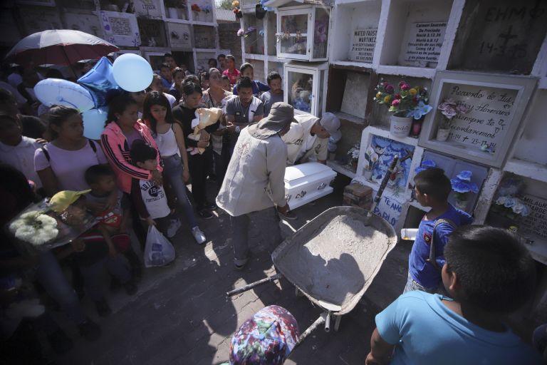 Μεξικό: Βρέθηκαν τα πτώματα 6 γυναικών που είχαν απαγάγει ένοπλοι   tanea.gr