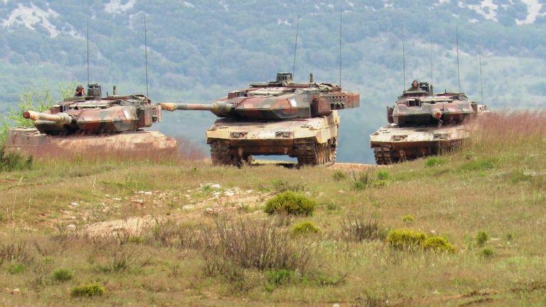 Για πρώτη φορά διαγωνισμός ουλαμού αρμάτων μάχης | tanea.gr