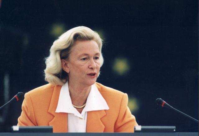 Πέθανε η πρώην πρόεδρος του Ευρωκοινοβουλίου Νικόλ Φοντέν | tanea.gr