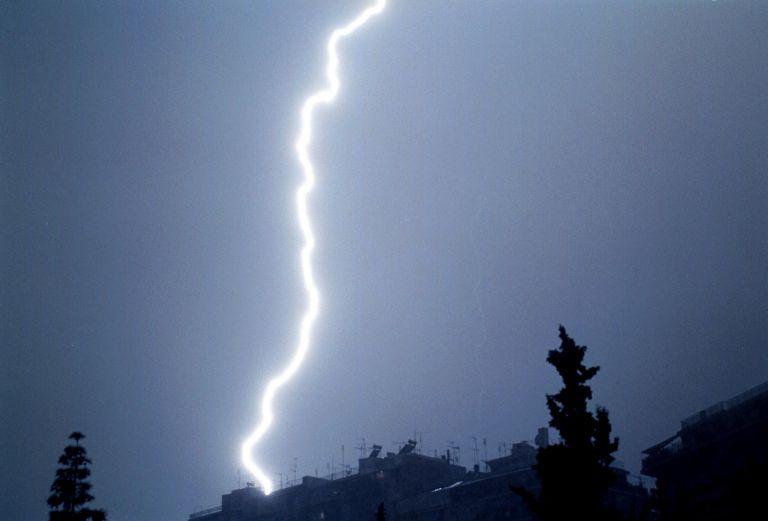 Ραγδαία αλλαγή του καιρού: Που θα χτυπήσουν βροχές και καταιγίδες | tanea.gr