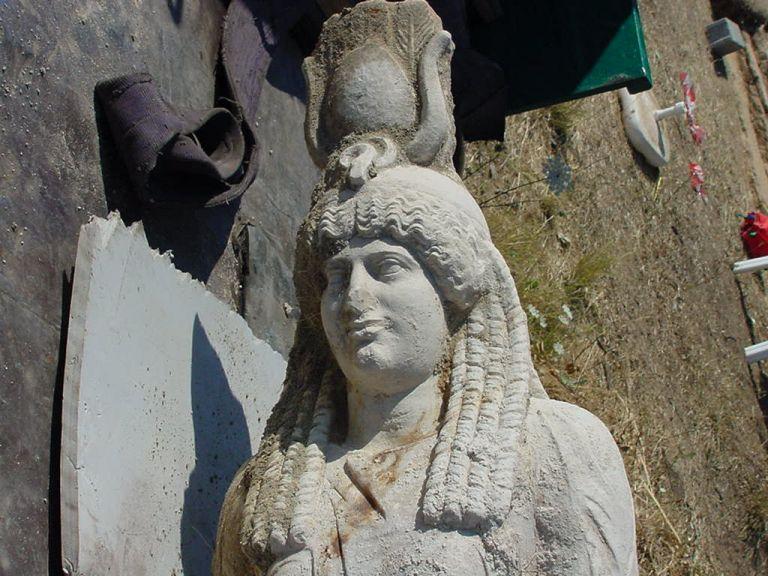 Βανδάλισαν τον αρχαιολογικό χώρο της Ισιδος στον Μαραθώνα | tanea.gr