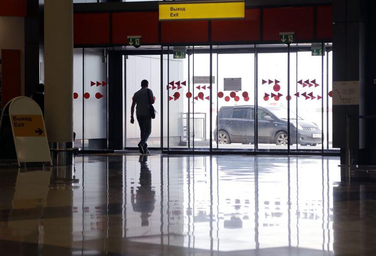 Λήξη συναγερμού στο αεροδρόμιο της Μόσχας – Μία σύλληψη | tanea.gr