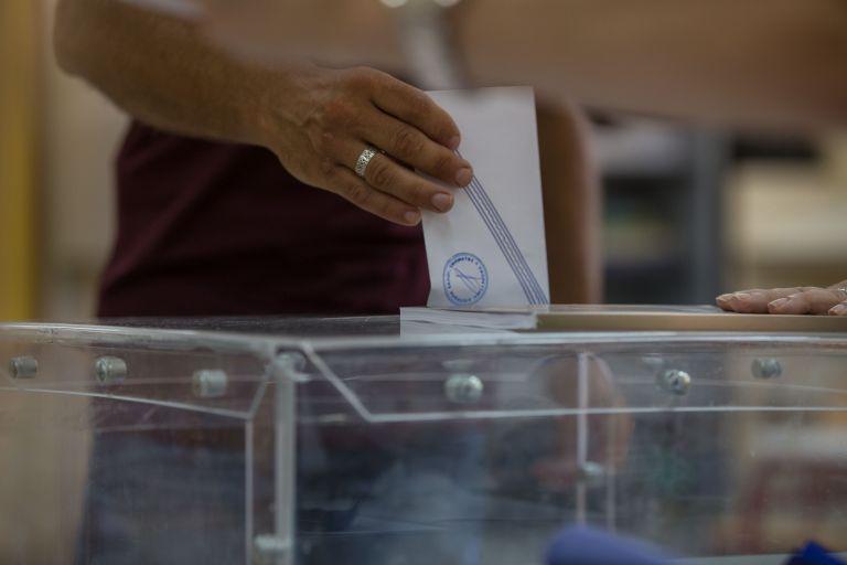 Δημοσκόπηση: Η αυτοδυναμία, οι πρόωρες εκλογές, η μαύρη τρύπα του Σκοπιανού | tanea.gr