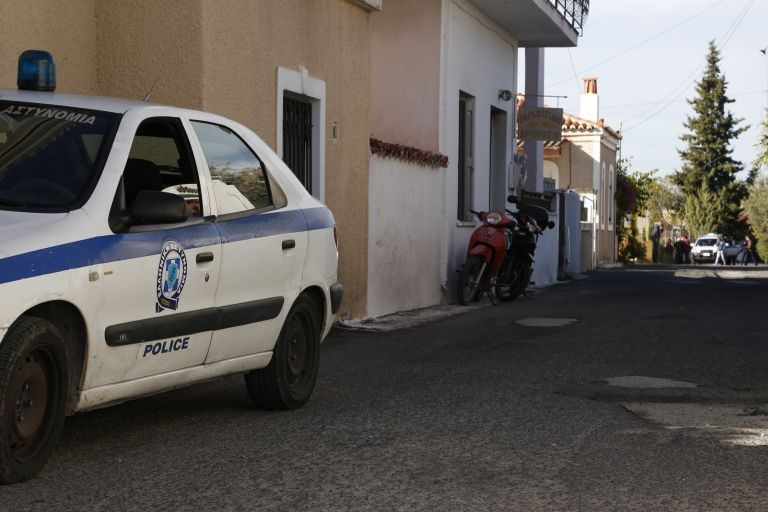 Σύλληψη Αλβανών για σωρεία διαρρήξεων σε σπίτια   tanea.gr