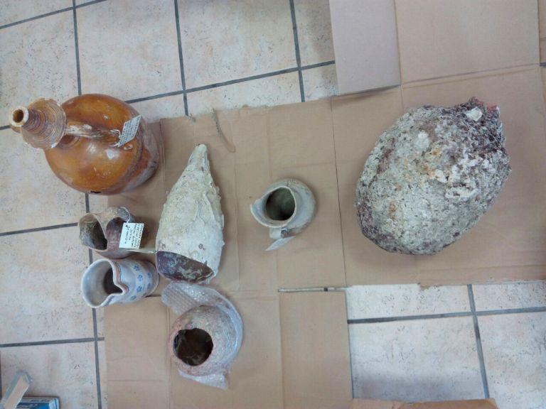 Η φωτιά αποκάλυψε κλεμμένα αρχαία αντικείμενα στη Λοκρίδα | tanea.gr