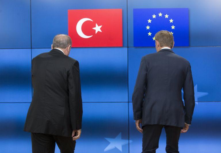 Κομισιόν: Ελπίζουμε πως η Τουρκία θα παραμείνει προσηλωμένος εταίρος | tanea.gr