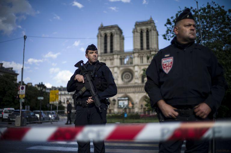 Σχέδιο τρομοκρατικής επίθεσης στη Γαλλία – Δύο συλλήψεις | tanea.gr