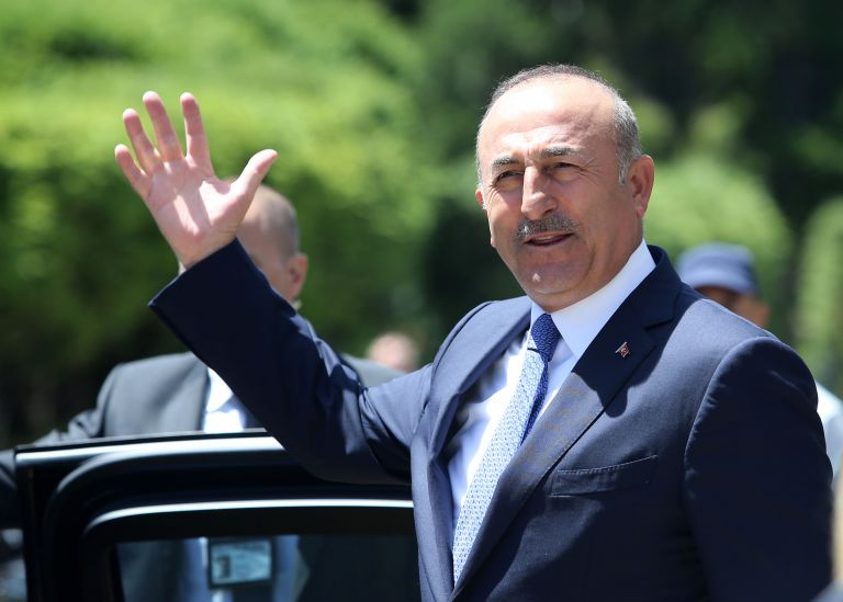 Τσαβούσογλου: Οι κούρδοι θα φύγουν από το Μανμπίτζ και θα αφοπλισθούν | tanea.gr