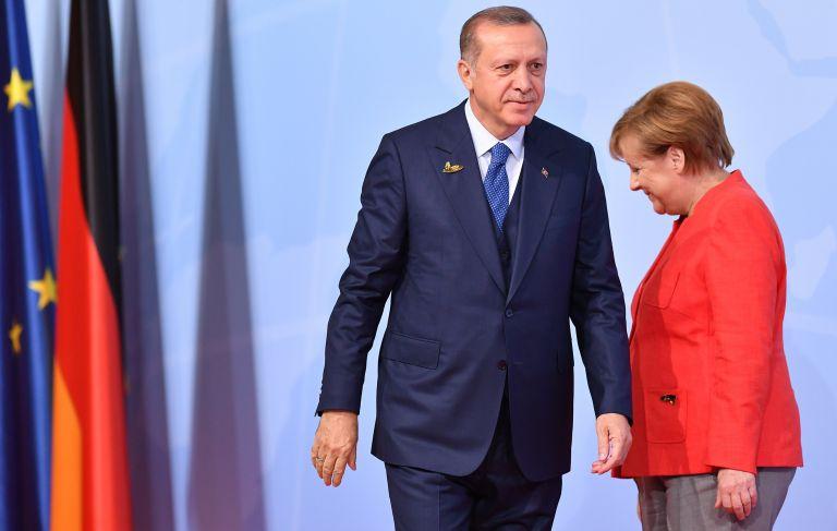 Συγχαρητήρια επιστολή Μέρκελ σε Ερντογάν με αναφορά στο κράτος δικαίου | tanea.gr