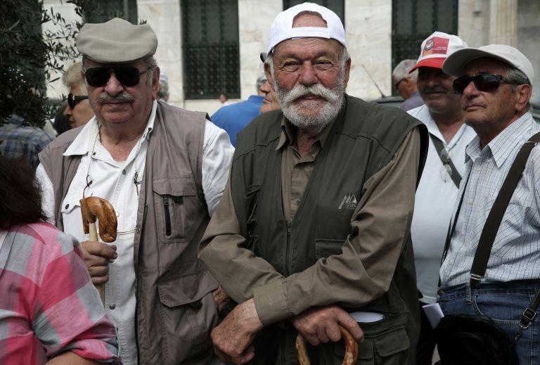 Μεγάλη απάτη με τις συντάξεις και το πλεόνασμα στον ΕΦΚΑ | tanea.gr