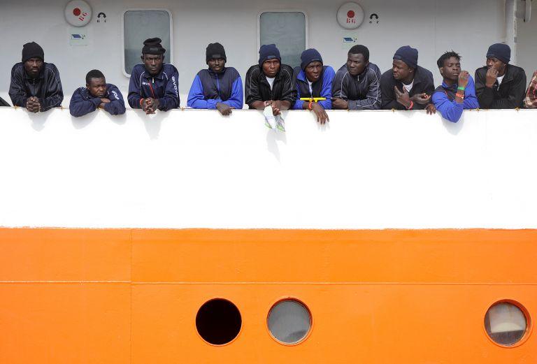 Η Ισπανία μπορεί να απελάσει κάποιους από τους μετανάστες του Aquarius | tanea.gr