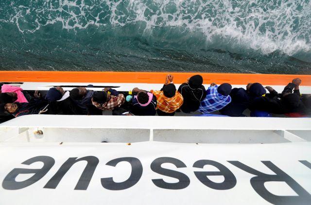 Μεσοπέλαγα παραμένει το Aquarius, δεν θέλουν να πάνε στην Ισπανία   tanea.gr