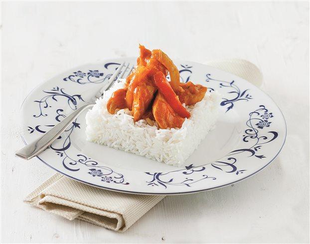 Κοτόπουλο με πολύχρωμες πιπεριές και μπασμάτι | tanea.gr