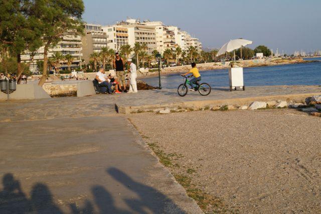 Πετάλι στο κύμα | tanea.gr