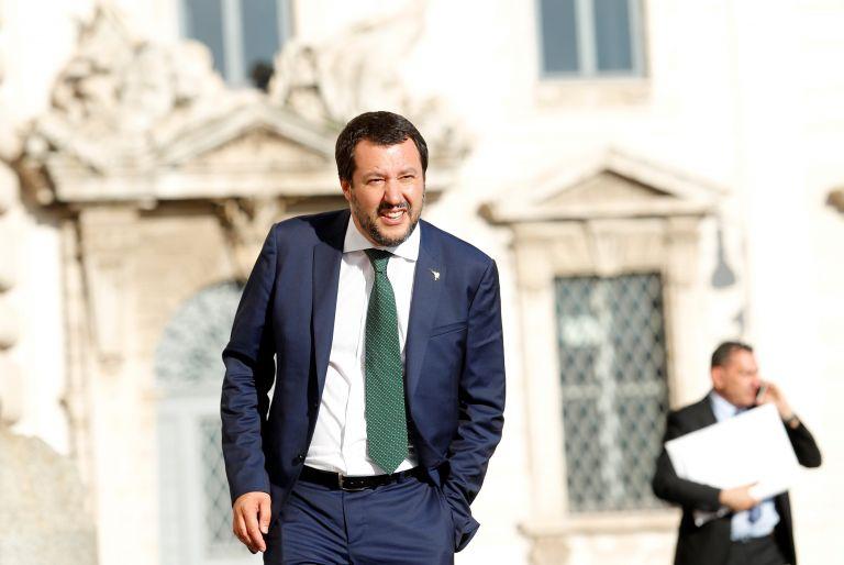 Στηρίζει την Αυστρία ο Σαλβίνι για το κλείσιμο των τζαμιών | tanea.gr