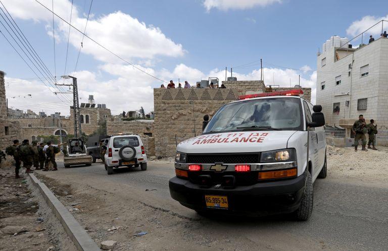 Πέθανε 30χρονος Παλαιστίνιος που είχε τραυματιστεί από ισραηλινά πυρά   tanea.gr