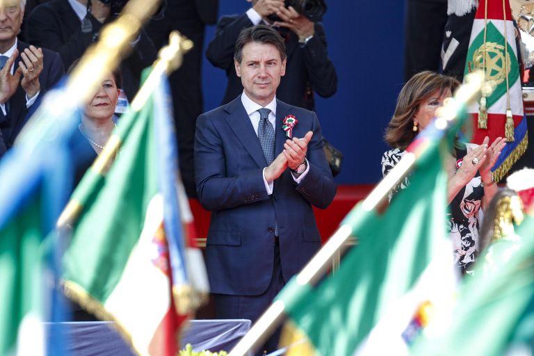 Ιταλία: Στη γιορτή της Δημοκρατίας ο νέος πρωθυπουργός Τζουζέπε Κόντε | tanea.gr