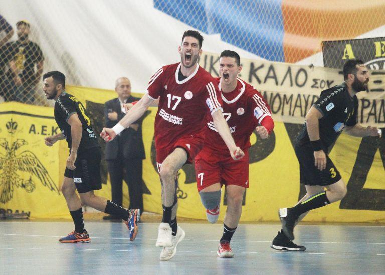 Χάντμπολ: Ο Ολυμπιακός ισοφάρισε τη σειρά των τελικών και ο τίτλος θα κριθεί στο κλειστό του Ρέντη   tanea.gr