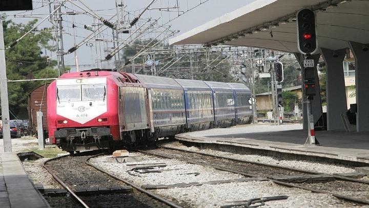 Το πρώτο ηλεκτρικό τρένο έφτασε στο Λιανοκλάδι | tanea.gr