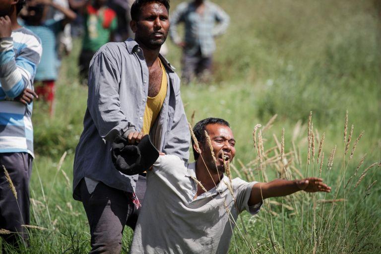 Το δράμα της Μανωλάδας: Δύο μετανάστες περιγράφουν τις συνθήκες ζωής   tanea.gr