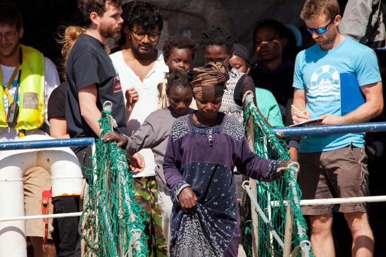 Στην Καλαβρία 232 μετανάστες που διασώθηκαν στην κεντρική Μεσόγειο | tanea.gr