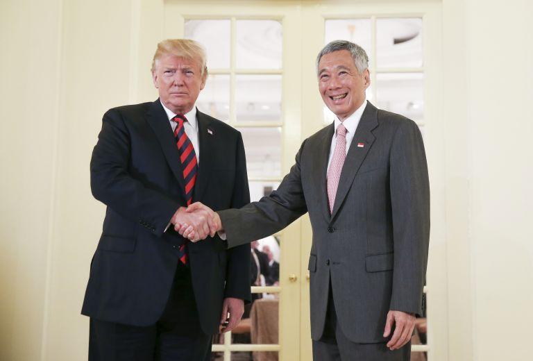 Με τον πρωθυπουργό της Σιγκαπούρης συναντήθηκε ο Τραμπ | tanea.gr