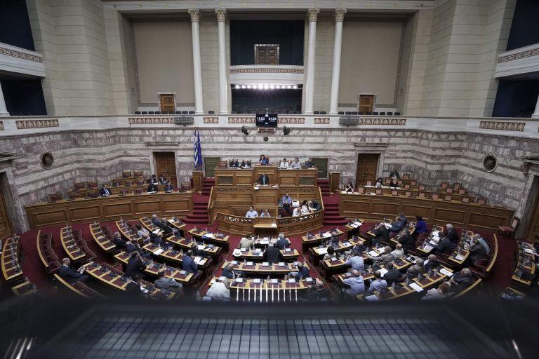 Πυρ ομαδόν από την αντιπολίτευση για το πολυνομοσχέδιο | tanea.gr