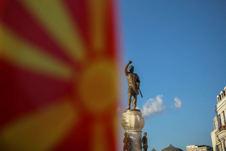 Στον αέρα η συμφωνία: «Χάθηκε» το Severna Macedonija – Πρόβλημα με erga omnes και γλώσσα | tanea.gr